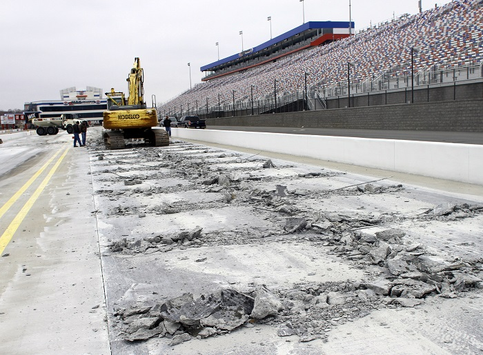 Zmax dragway begins reconstruction of racing surface for Charlotte motor speedway drag racing